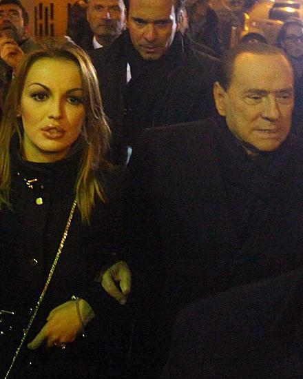 Silvio Berlusconi mit seiner Verlobten Francesca Pascale am 9. Dezember in Mailand.
