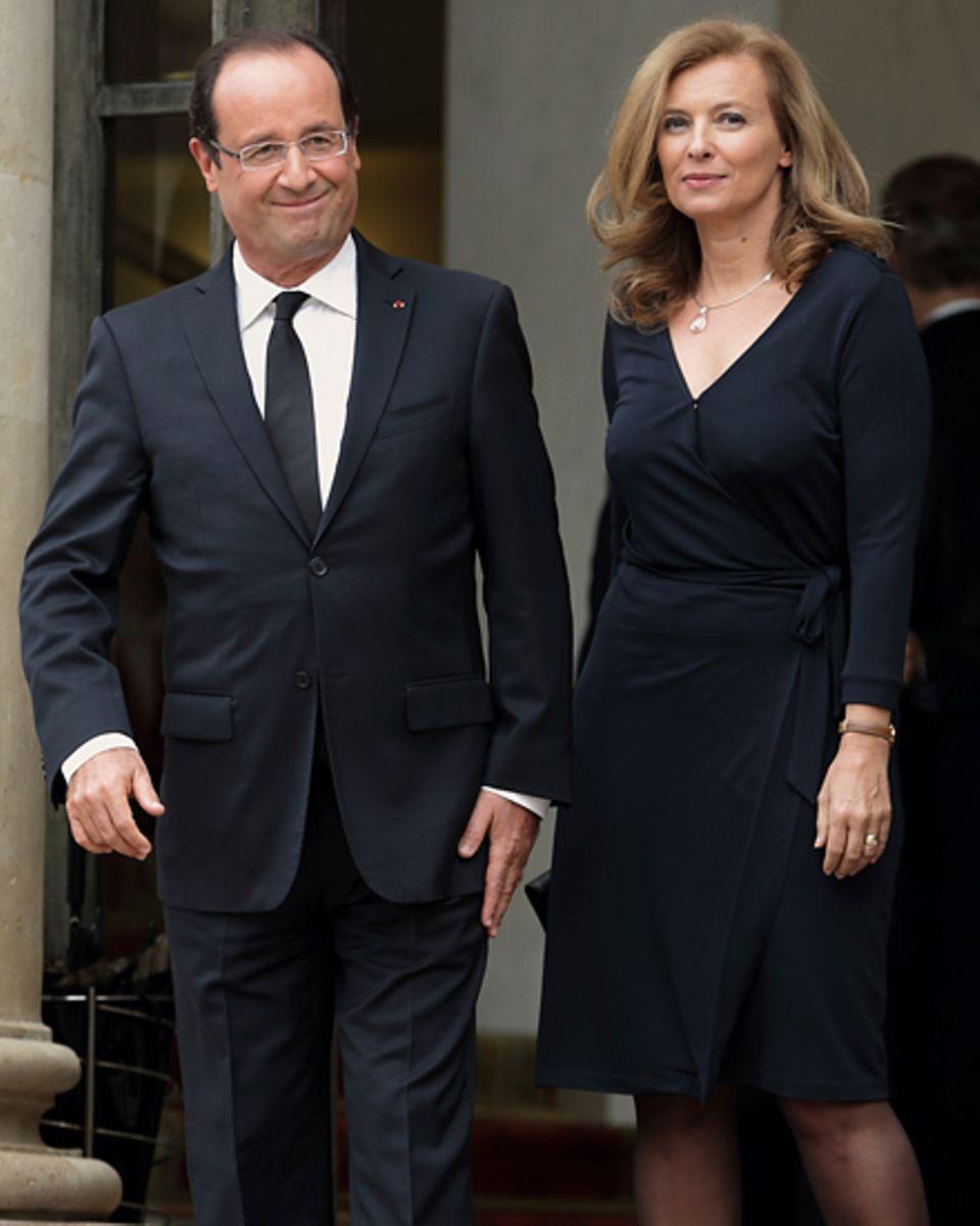 Duo Infernal: Sozialist François Hollande, 58, regiert seit Mai im Élysee-Palast. Valérie Trierweiler, 47, vermasselte ihren Ein