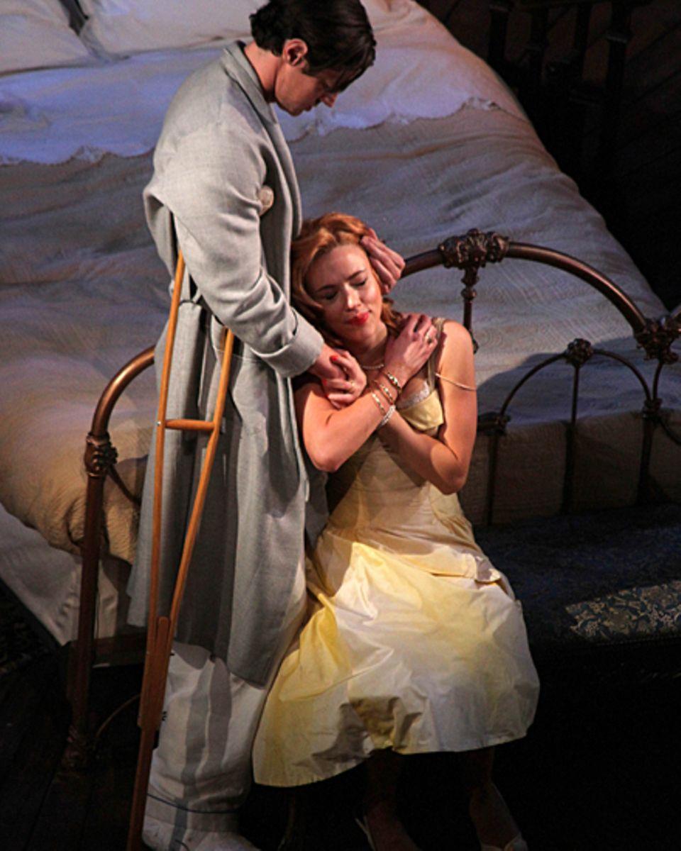 Johansson übernimmt in dem Broadway-Stück die Rolle, die einst Liz Taylor verkörperte.