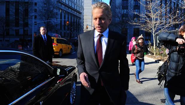 Manhattan Ende Dezember: Gerade hat Michael Douglas vor dem Berufungsgericht für seinen Sohn ausgesagt.