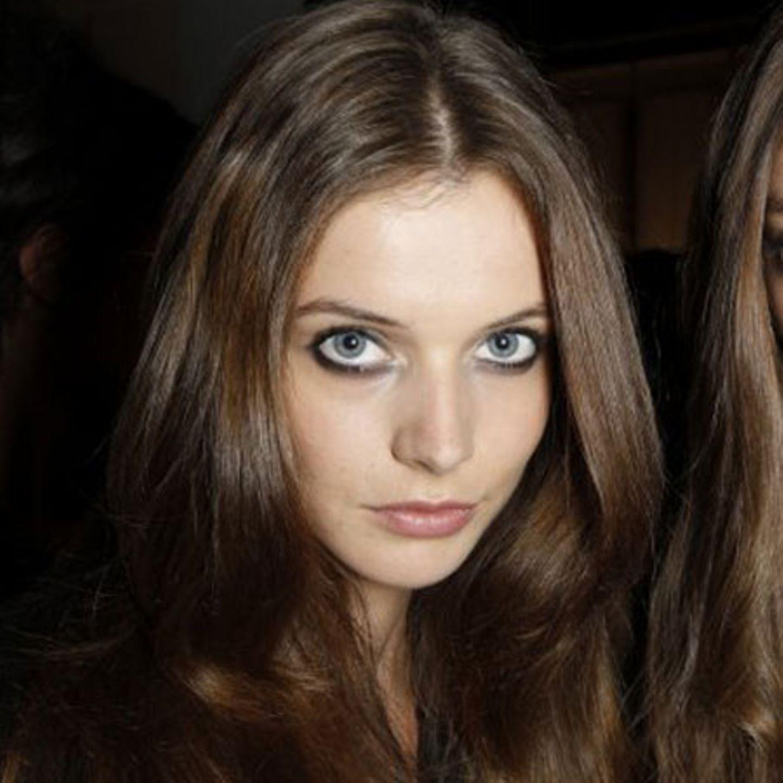 Unvergessliches Augen-Make-up für den Tag