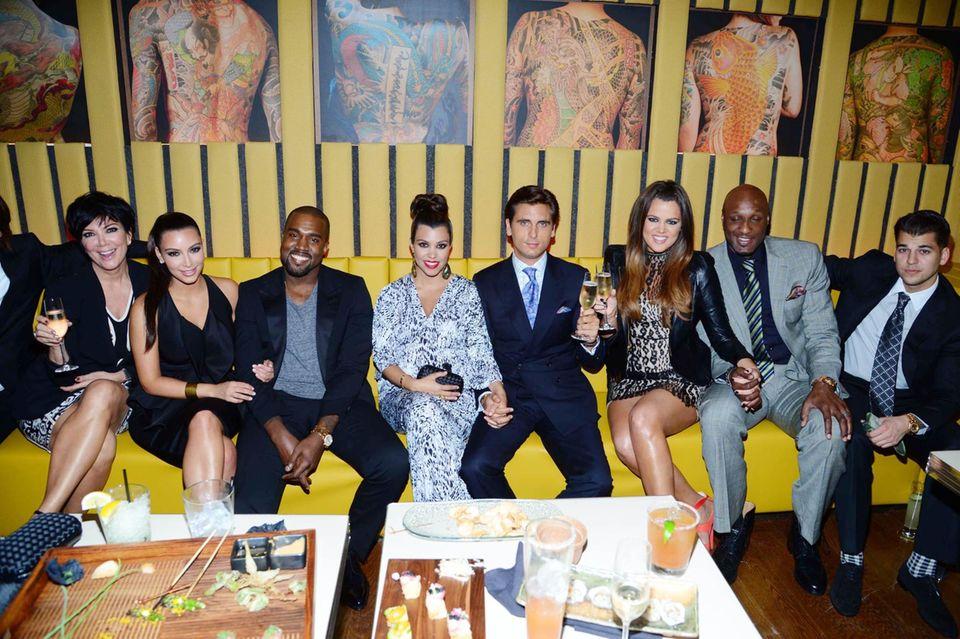 Auf dem Sofa mit den Kardashians: Der Familienclan feiert gerne zusammen - hier bei der Eröffnung des Restaurants RYU im Meatpacking District in New York.