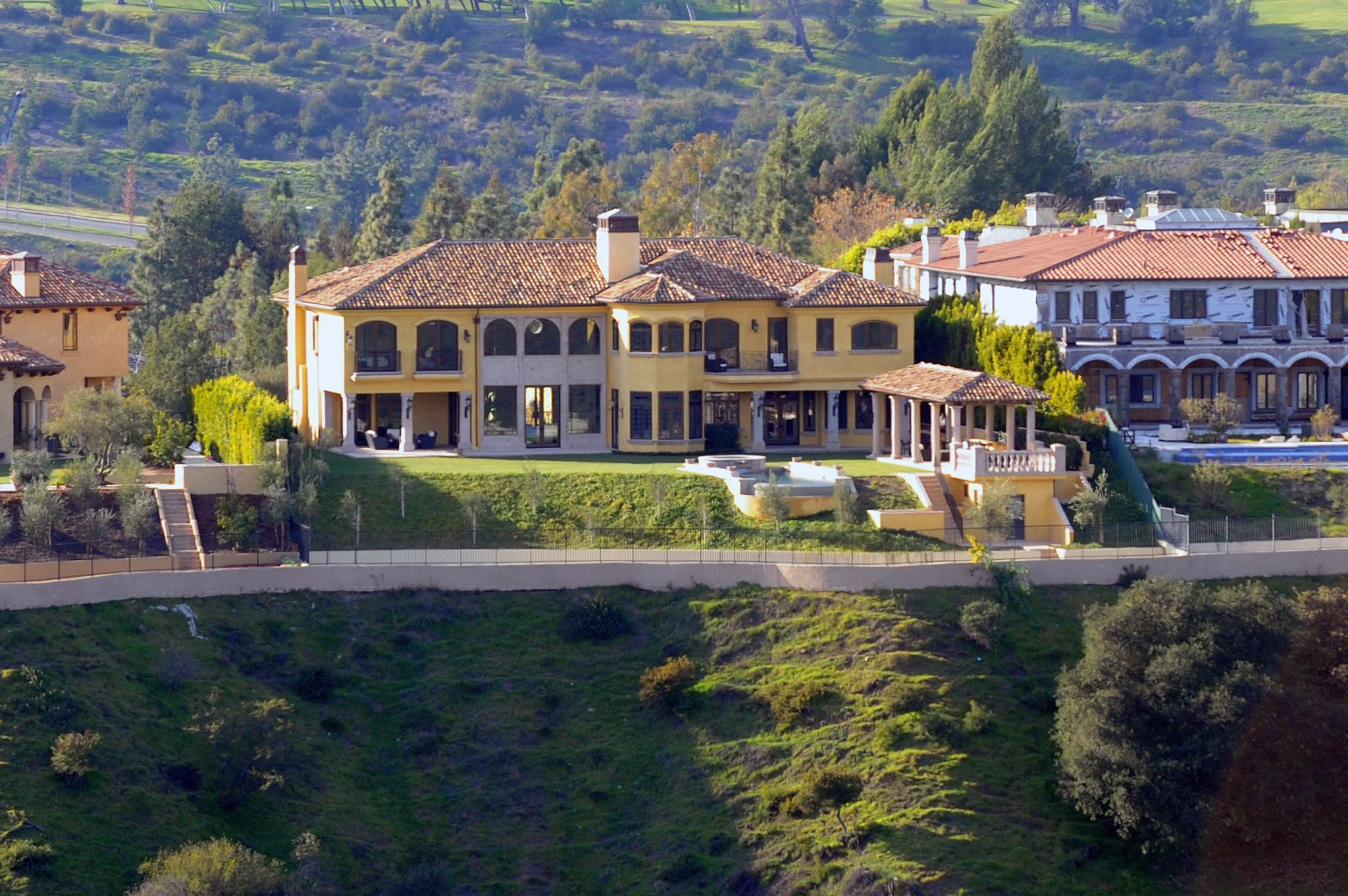"""Spielwiese: In ihrer neuen 11-Millionen-Dollar-Villa in Bel Air sollen Kim und Kanye derzeit ein 200-Quadratmeter-Kinderzimmer einrichten, Deko-Motto: """"Old Hollywood""""."""