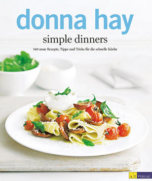 """Mit acht Jahren stand sie bereits in der Küche: Australiens Kult-Köchin und Food-Kolumnistin Donna Hay. In ihrem neuen Werk setzt sie auf internationale Gerichte, die wenig Zeit in Anspruch nehmen, aber für Begeisterung bei Tisch sorgen - Tipps und Warenkunde inklusive.   (Donna Hay: """"Simple Dinners"""", AT Verlag, 208 S., 24,90 Euro)"""