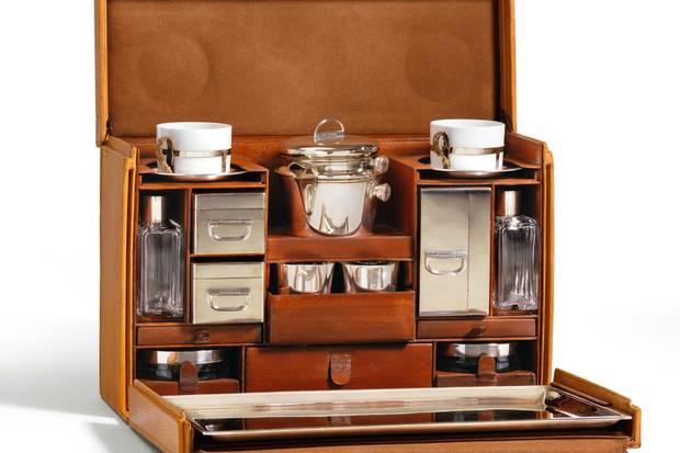 Familie Vuitton: Rund 350 Einzelstücke werden unter der Verantwortung von Patrick Vuitton in Asnières-sur-Seine jährlich maßgefertigt. Hier ein luxuriöser Picknickkorb.