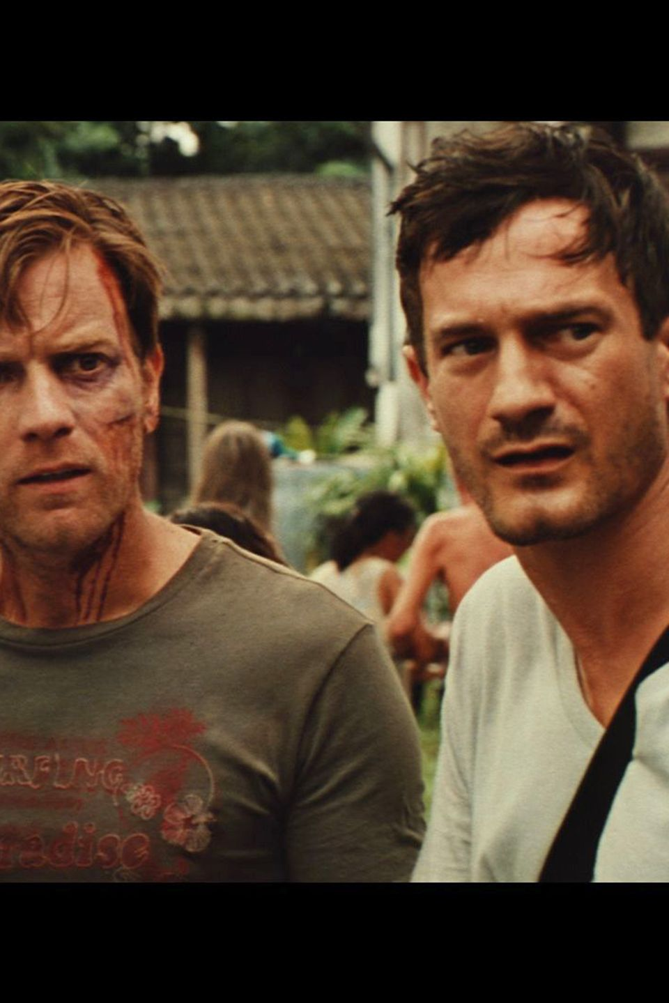 "Sönke Möhring (r.) und Naomi Watts Film-Mann Ewan McGregor in ""The Impossible""."