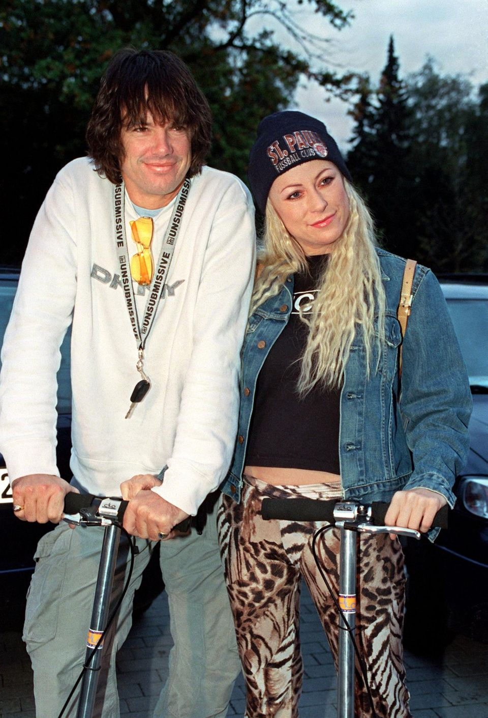 """Jenny mit Alex Jolig – Diplomatensohn, Kneipier, Ex-""""Big Brother""""-Bewohner. Die beiden waren nur wenige Monate liiert. Jolig ist der Vater von Jennys Sohn Paul, der 2001 geboren wurde."""