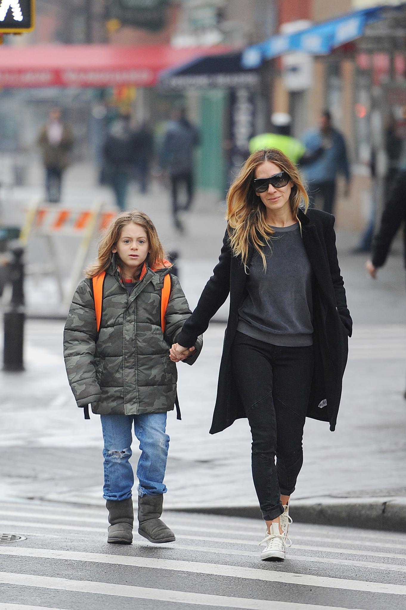 Sarah Jessica Parker bringt ihren Sohn James Wilkie zur Schule.