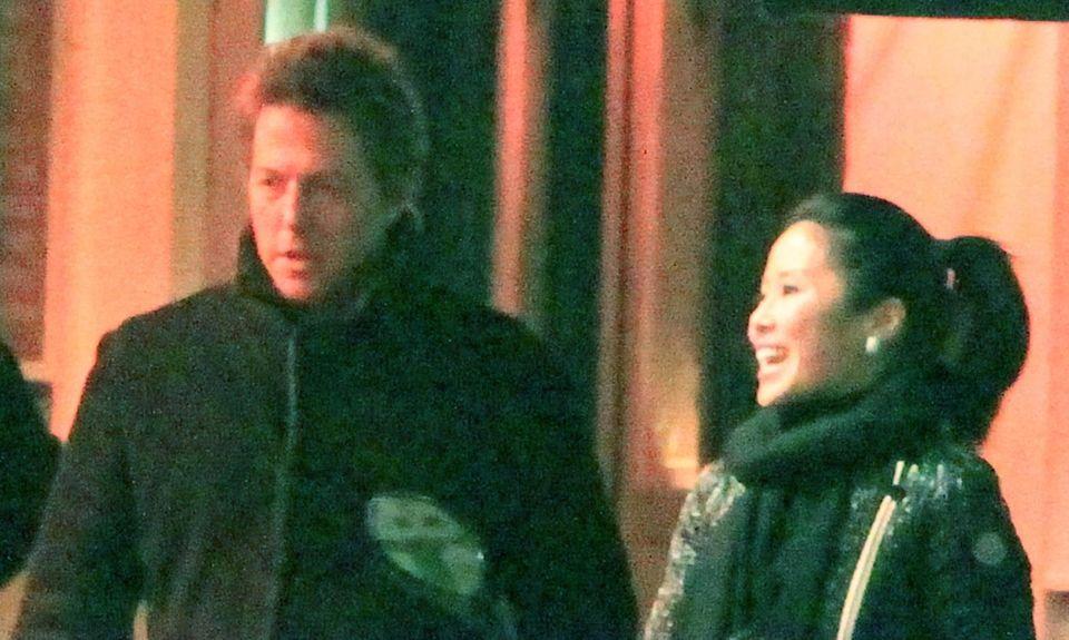 Dies ist eines der wenigen gemeinsamen Fotos von Hugh Grant und Tinglan Hong (Januar 2011).