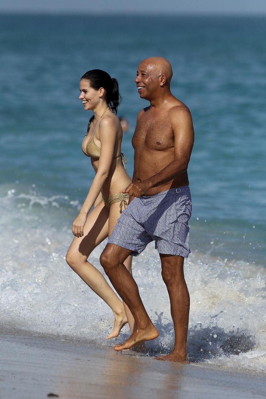 Glückliche Zeit: Das deutsche Model und der US-Musikunternehmer beim Badeurlaub in Miami Ende 2012. Simmons ist Mitbegründer des legendären Labels Def Jam (Rihanna, Kanye West).