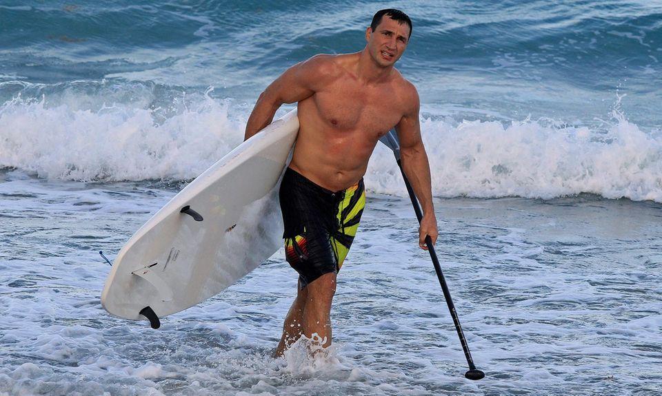 Wladmir Klitschko surft in Florida.