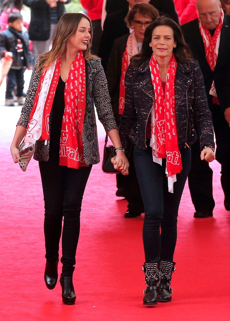 """Pauline mit ihrer Mutter Stéphanie, die über ihre Tochter sagt: """"Sie ist mein Mini-Ich""""."""