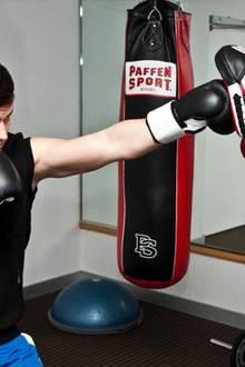 Rocco Stark (li.) und Boxtrainer