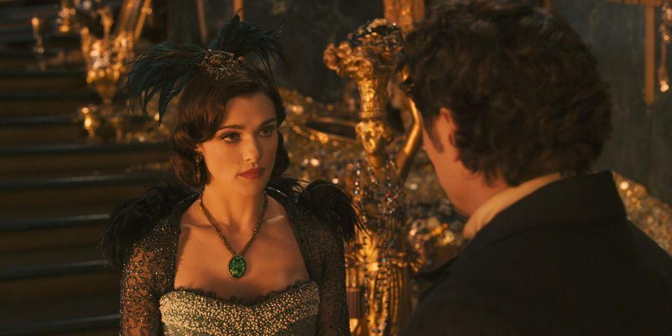 Schöne Gefühle: Zirkus-Magier Oscar reist durch die Fantasie-Welt Oz. Die böse Hexe Evanora (Rachel Weisz) will ihn auf ihre Seite ziehen.
