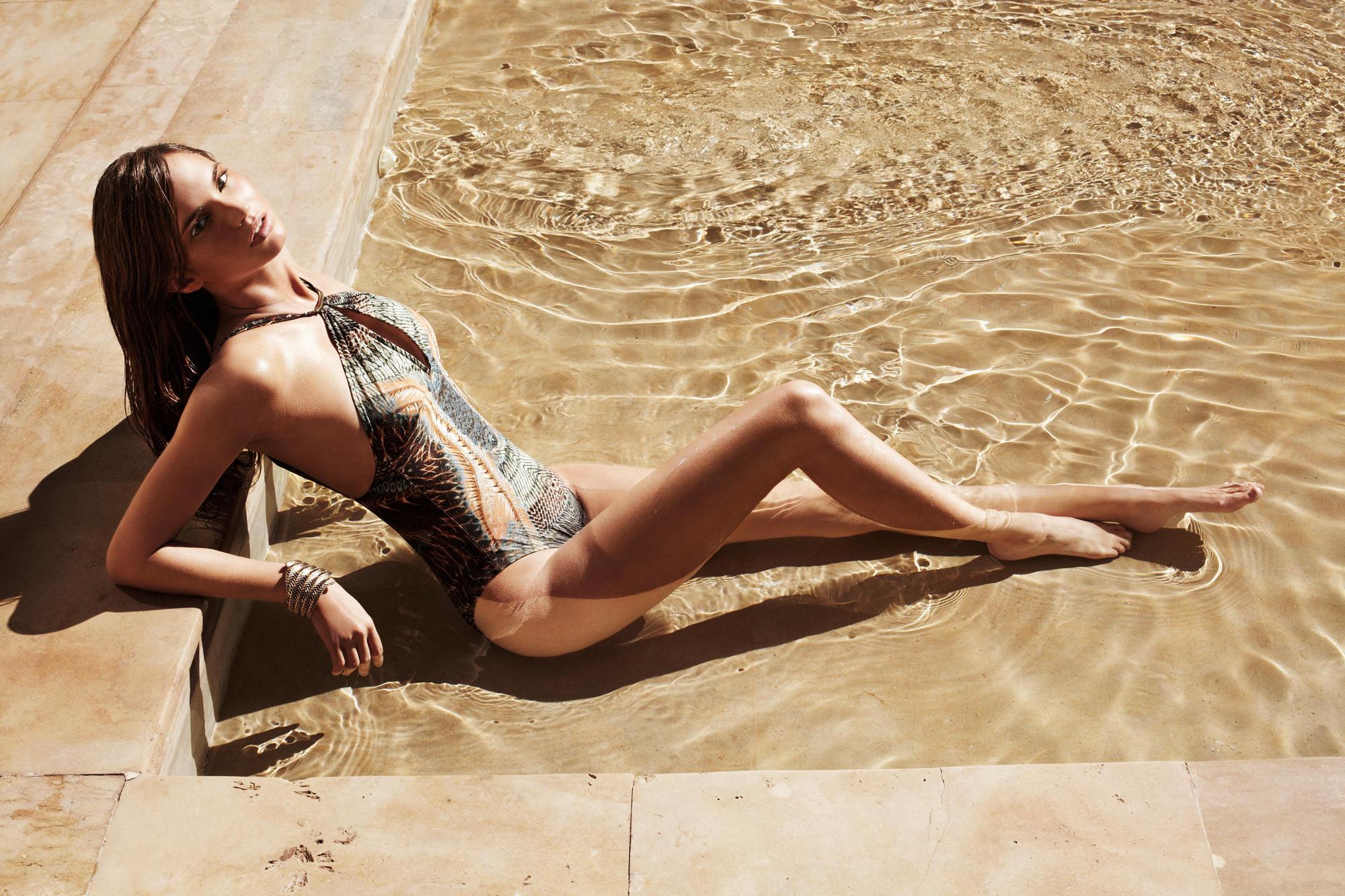 """Wer auch am Pool """"bella figura"""" machen will, setzt sich modisch gekonnt in Szene"""
