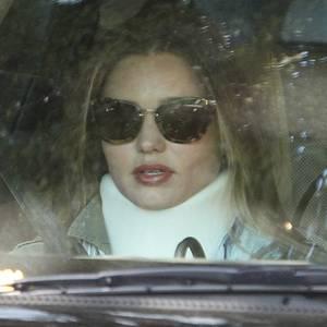13. März 2013: Nach einem Atounfall in Los Angeles muss Miranda Kerr eine Halskrause tragen, schlimmere Verletzungen hat sich das Model dabei aber nicht zugegzogen.