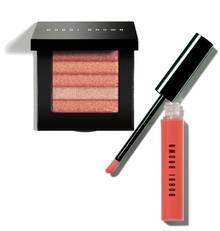 """Highlighter-Puder """"Shimmer Brick Compact"""", ca. 46 Euro, und pflegender """"Lip Gloss"""", ca. 24 Euro. Beides von Bobbi Brown"""