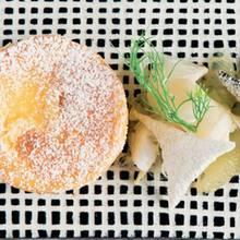 Käseküchlein mit Ingwer, Fenchel und süßer Zitrone