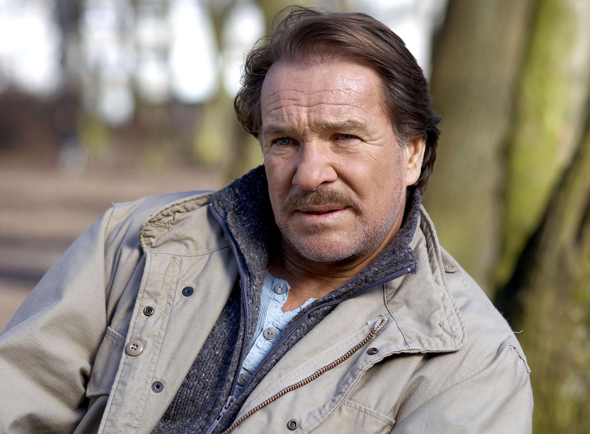 """Götz George steht wieder als """"Horst Schimanski"""" vor der Kamera."""