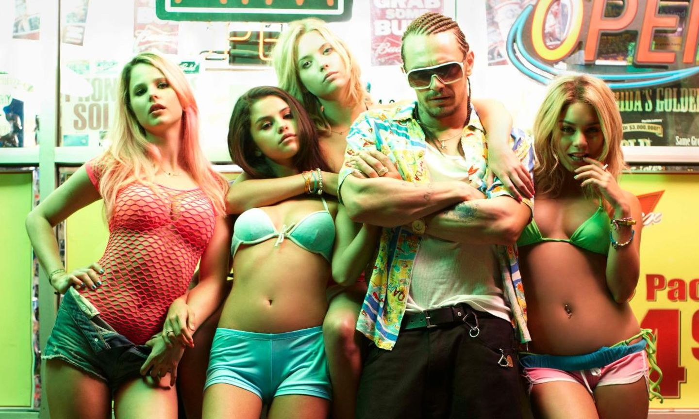 "James Franco, Selena Gomez, Vanessa Hudgens, Ashley Benson und Rachel Korine in ""Spring Breakers"""