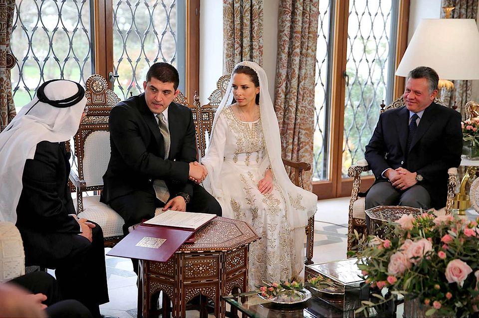 König Abdullah II. gehörte zu den Gästen bei der Trauung Prinzessin Imans, die seine Halbschwester ist.