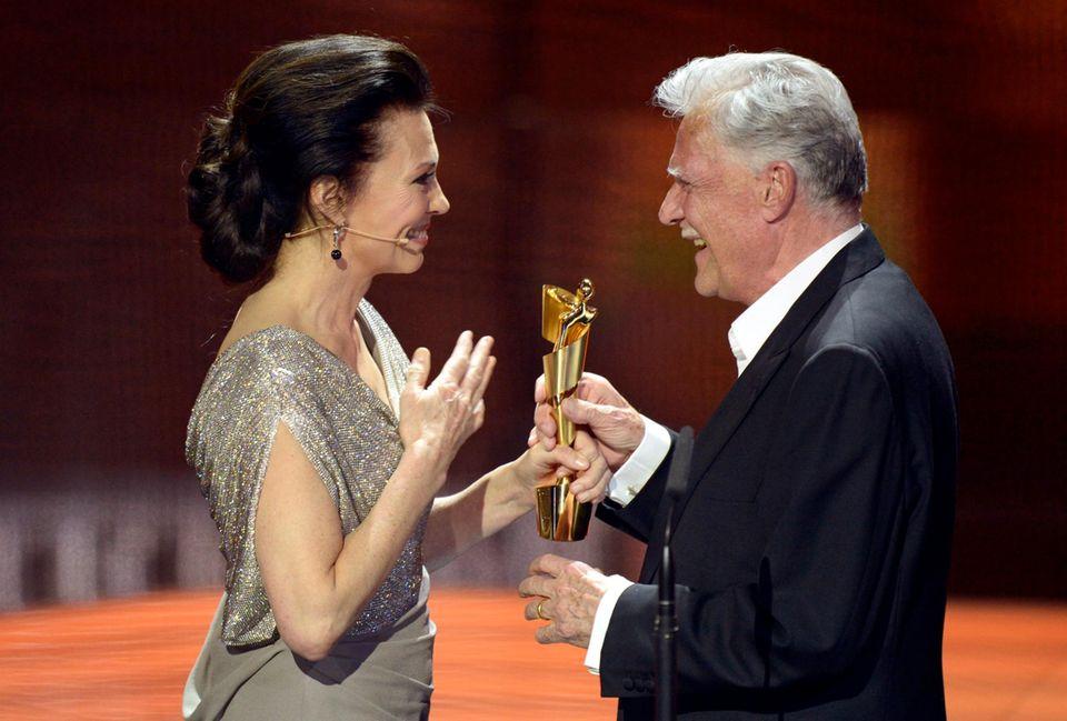 Seit drei Jahren ist Iris Berben, 62, Präsidentin der Deutschen Filmakademie: 2012 hielt sie die Laudatio auf Preisträger Michael Ballhaus.