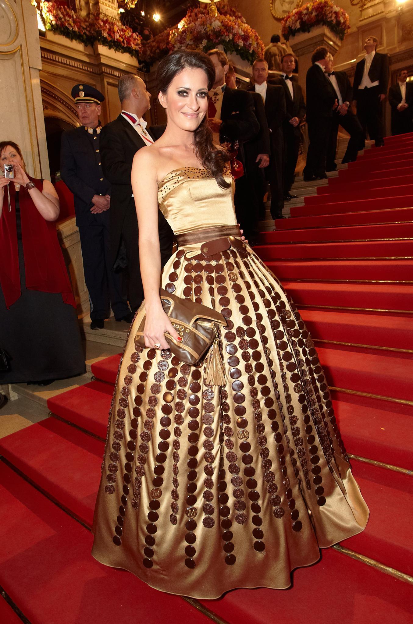 Klaas Heufer Umlaufs Freundin Doris Golpashin beim Wiener Opernball 2012.