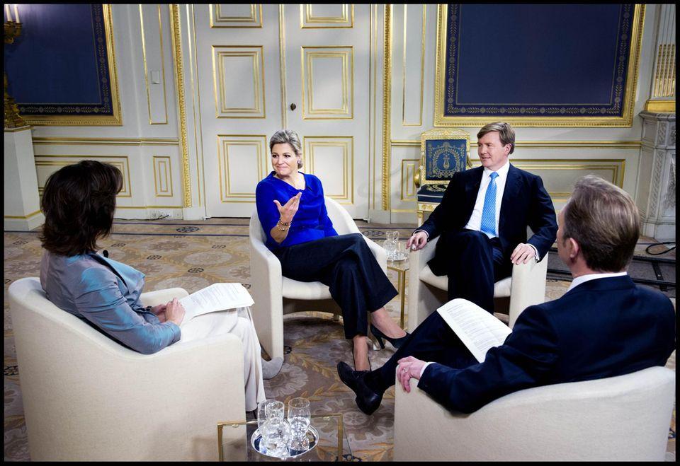 Vergangene Woche gaben Máxima und Willem-Alexander im niederländischen Fernsehen ein einstündiges Interview. Darin verriet der Kronprinz, dass er schon vor einem Jahr wusste, wann seine Mutter abdanken würde.