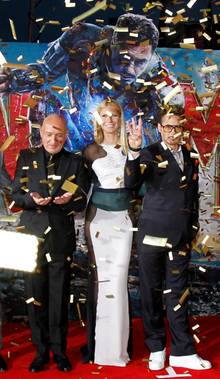 "Goldregen: Die ""Iron Man 3""-Darsteller Sir Ben Kingsley, Gwyneth Paltrow und Robert Downey Jr. bei der Filmpremiere in Hollywood."