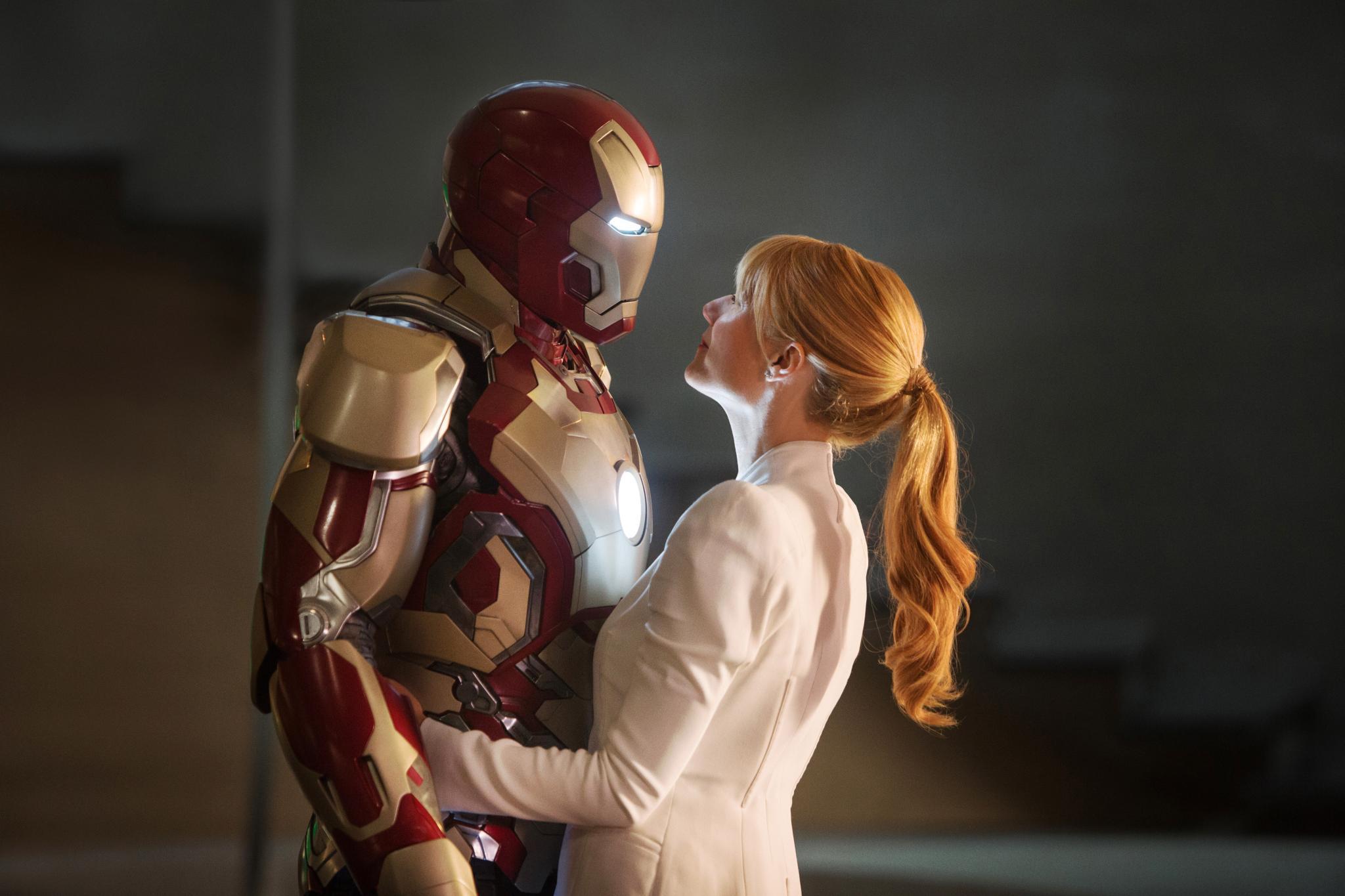 "Robert Downey Jr. als ""Iron Man"" und Gwyneth Paltrow als ""Pepper Potts"" im dritten Teil der Marvel-Verfilmung."