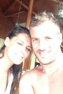 Dieses Bild vom Urlaubsglück mit Rafael van der Vaart twitterte seine neue Freundin Sabia Boulahrouz aus Dubai.