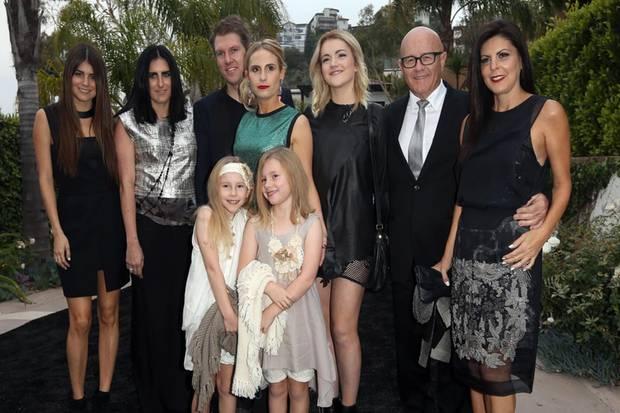 Kim Ledger (2.v.r) und seine Familie in Hollywood. Vorne sind Matildas Cousinen Rori und Scarlett zu sehen. Mit ihnen skypt die Siebenjährige regelmäßig.