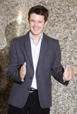 Am 15. Oktober 2005 trat Dänemarks Thronfolger Frederik vor die Presse und verkündete stolz die Geburt seines ersten Kindes. Ob Prinz William es ähnlich machen wird, bleibt abzuwarten.