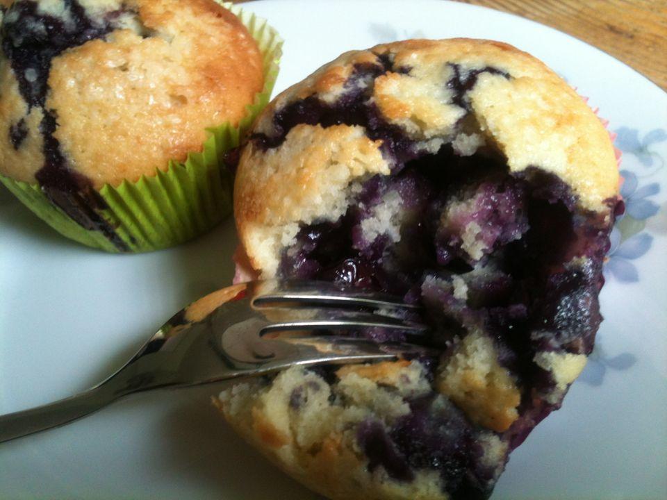 """Vielleicht nicht die """"besten der Welt"""", aber auf jeden Fall richtig gut: Die saftigen Blaubeer-Muffins von Gwyneth haben meine Gäste überzeugt."""