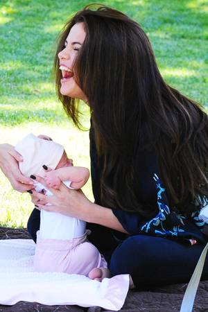 Selena Gomez, Gracie Elliot