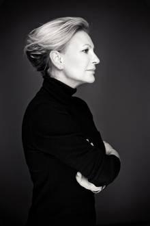 """Mal vergnügt, mal nachdenklich: Beim """"Gala""""-Shooting zeigt Sabine Christiansen die verschiedenen Facetten ihrer Persönlichkeit."""