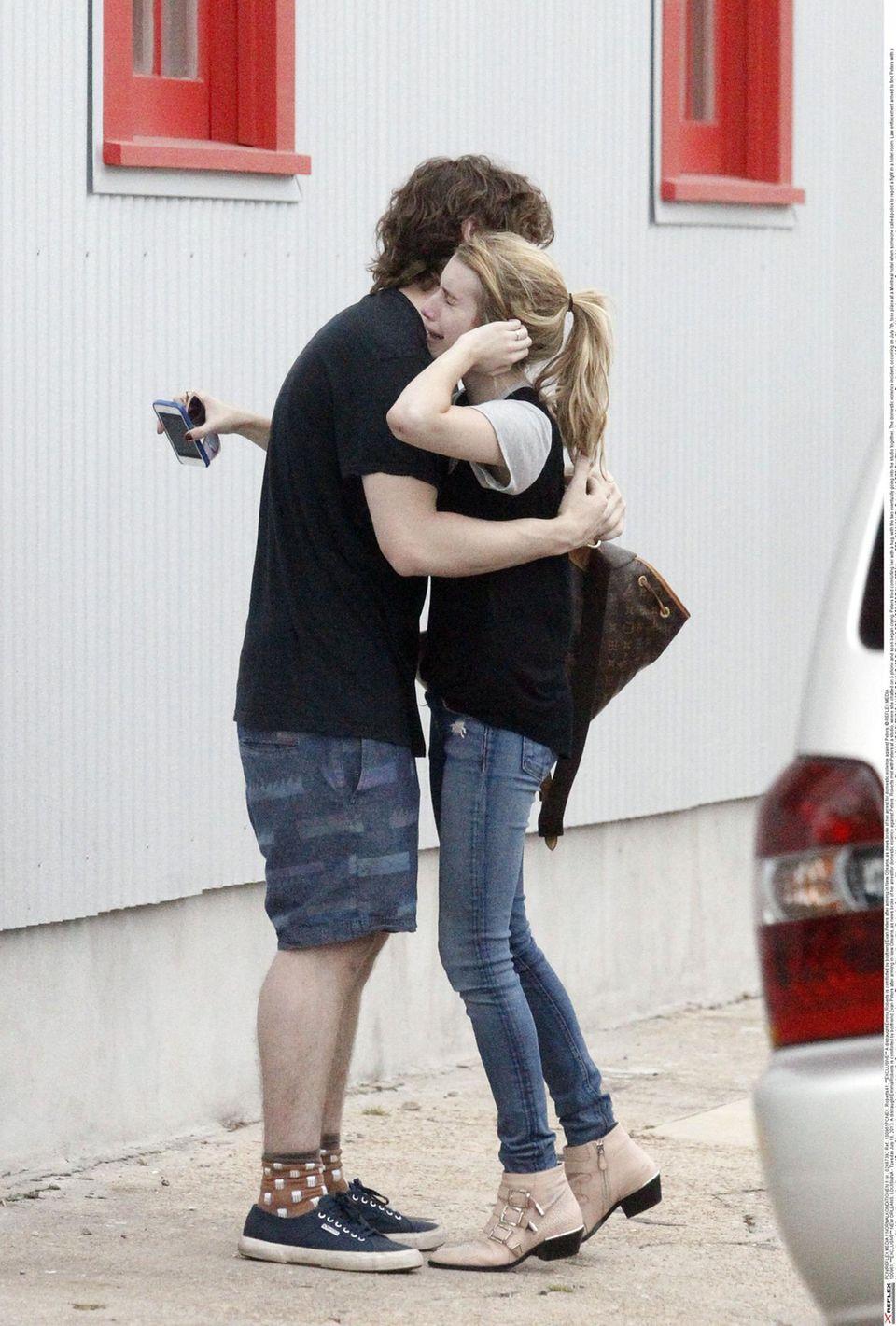 Emma Roberts schlug und biss ihren Freund Evan Peters.