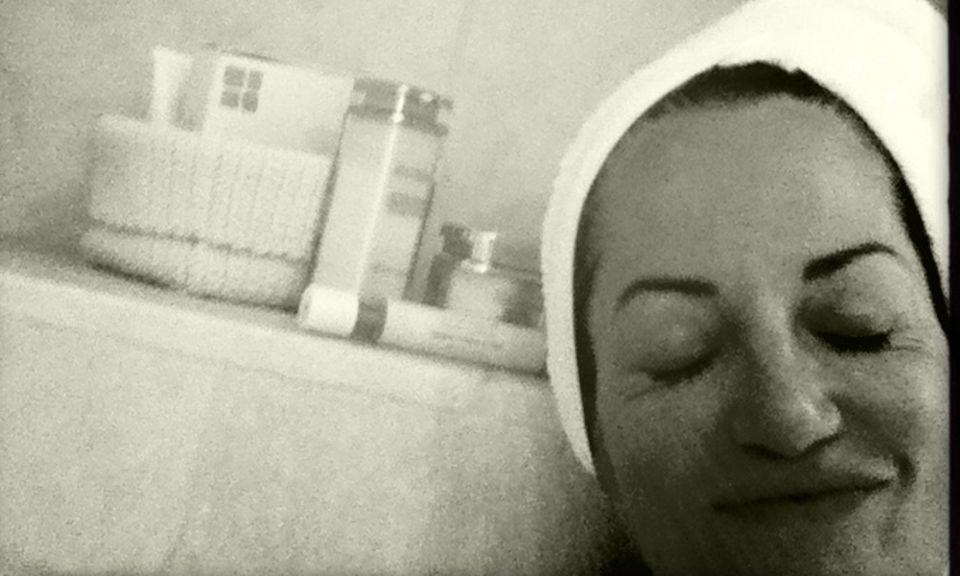 """""""Seit ich mit der Kosmetikmarke Être Belle zusammenarbeite, habe ich auch im Urlaub eine gute Pflege dabei."""""""