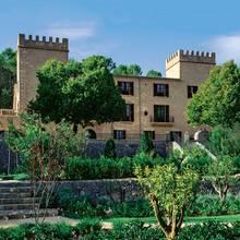 Das Castell auf Mallorca wurde im Jahr 1450 errichtet, die liebevoll gestaltete Gartenanlage erstreckt sich über 132 Hektar