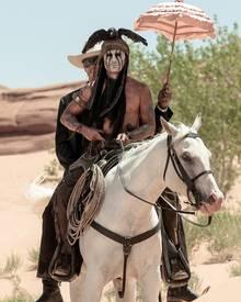 """""""Lone Ranger"""", """"Tonto"""" und das Pferd """"Silver"""" wollen Outlaw """"Butch Cavendish"""" schnappen, der den Bruder des Rangers auf dem Gewissen hat."""