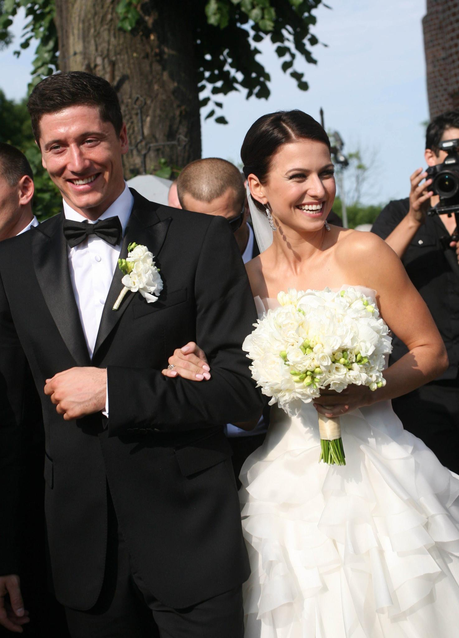 Robert und Anna Lewandowski heirateten am 22. Juni 2013 in Serock, Polen.