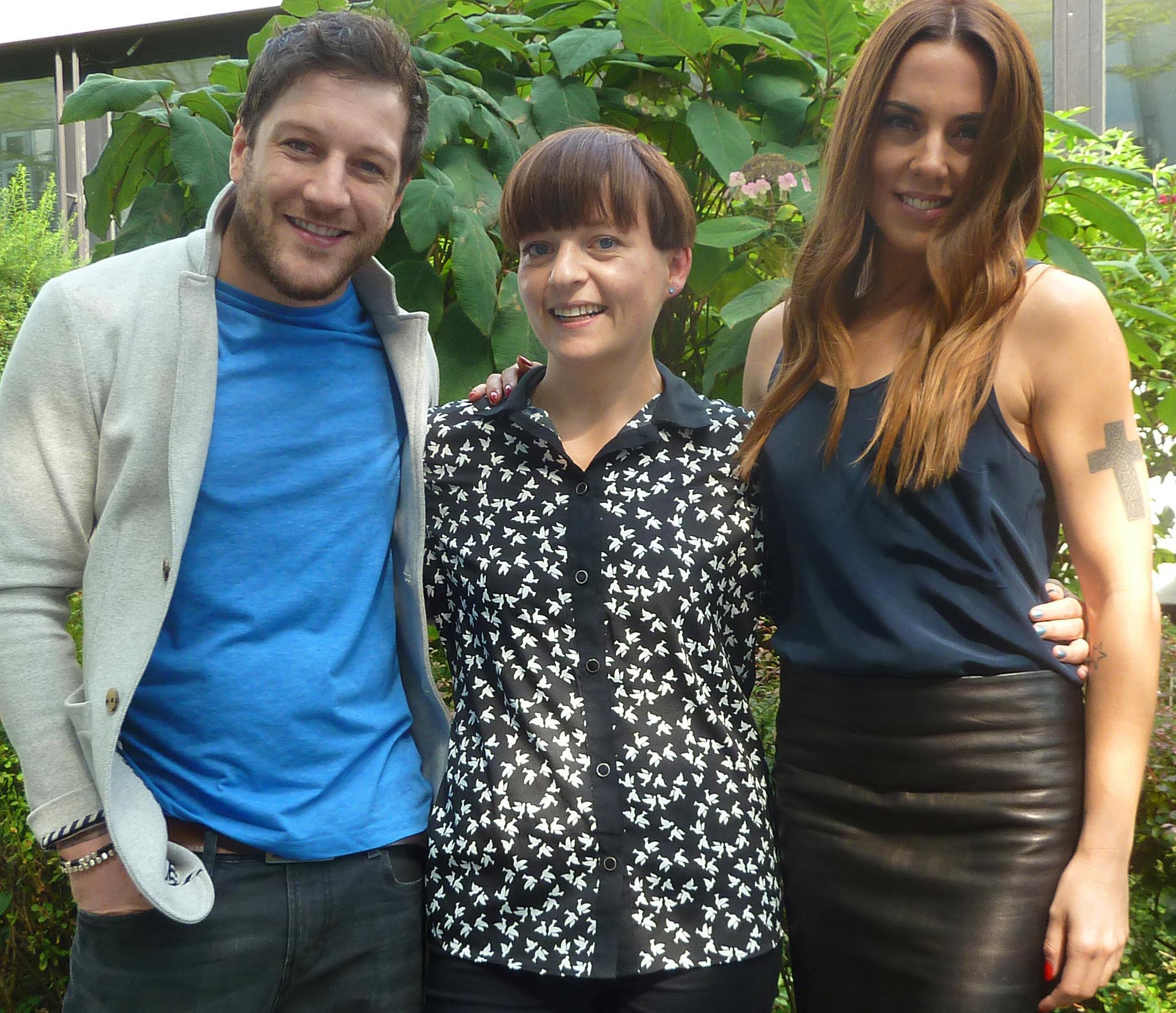 Gut gelaunte Gesprächspartner: Matt Cardle und Melanie C mit Gala.de-Redakteurin Ines Weißbach