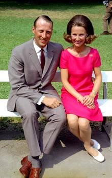 Der König hatte sein Einverständnis gegeben: Im März 1968 wird offiziell Verlobung gefeiert. Und am 29. August kann der norwegische Thronfolger Harald seine bürgerliche Braut Sonja im Dom zu Oslo schließlich auch vor den Traualtar führen.
