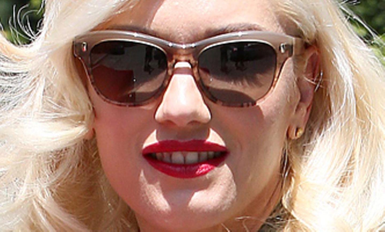 Besonders viel Platz hat Gwen Stefani in ihrem Chanel-Shopper.