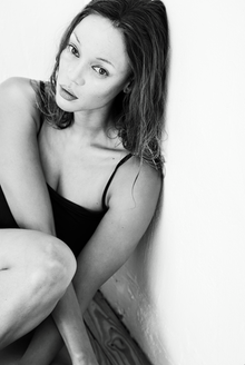 """""""Meinen Hintern und meine Brüste verstecken wie ein Profi, für einen Profi - alles nur um so auszusehen wie Supermodel kate Moss"""", twitterte Tyra Banks über ihre Verwandlung."""