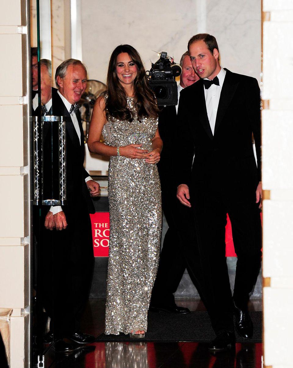 Herzogin Catherine und Prinz William kommen gut gelaunt zu der Preisverleihung.