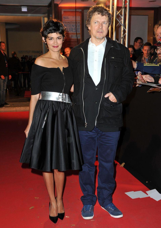"""Gemeinsam mit dem Regisseur Michel Gondry begeistert Audrey Tautou Fotografen und Fans bei der Premiere von """"Der Schaum der Tage"""" in Berlin."""