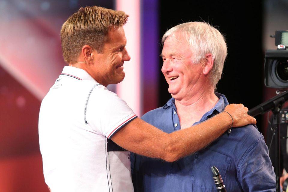 Ein Wiedersehen nach 35 Jahren: Unverhofft trifft Pop-Titan Dieter Bolhen in der Show auf seinen Entdecker und ersten Produzenten Rainer Felser.