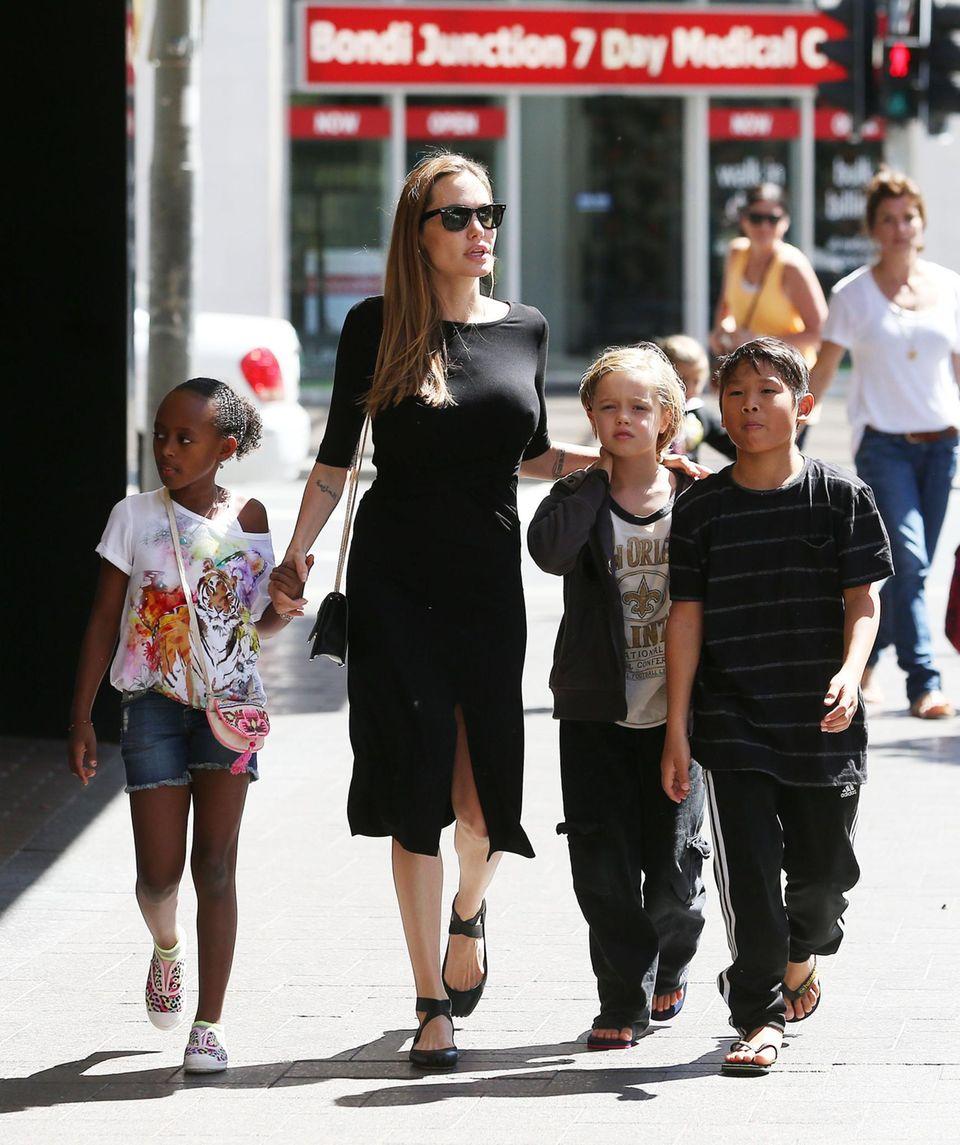 Angelina Jolie + Brad Pitt: Familie auf zwei Kontinenten