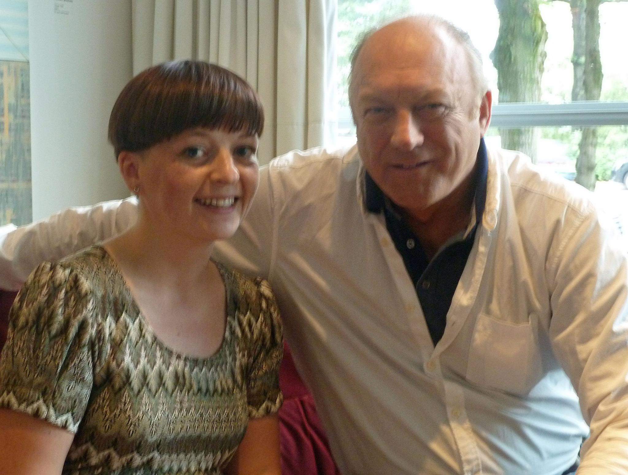 Gala.de-Redakteurin Ines Weißbach traf John Doman in Hamburg.